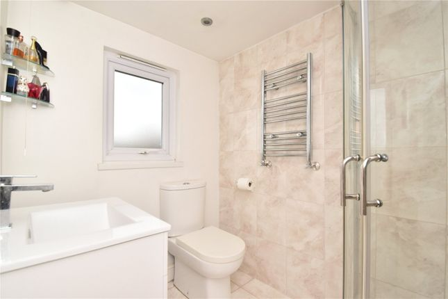 En-Suite of Wilmot Road, Dartford, Kent DA1