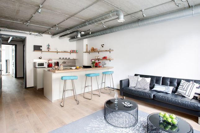 Thumbnail Flat to rent in Great Suffolk Street, London