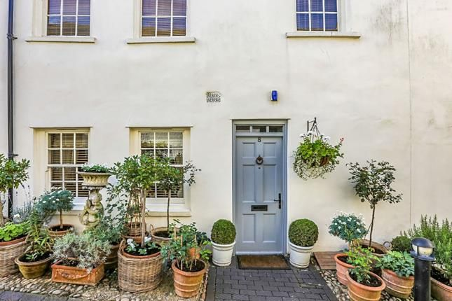 Thumbnail Property for sale in White Hart Mews, High Street, Chipping Norton, Oxon