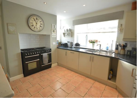 Thumbnail Terraced house to rent in Knutsford Road, Grappenhall, Warrington