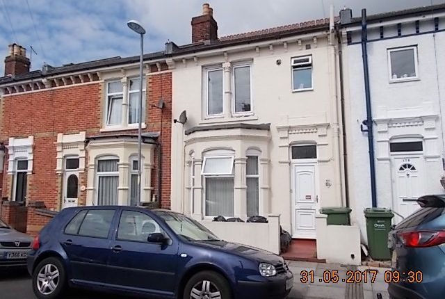 Terraced house to rent in Folkestone Road, Portsmouth