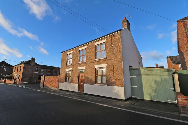 Thumbnail Detached house for sale in Battle Green, Epworth, Doncaster
