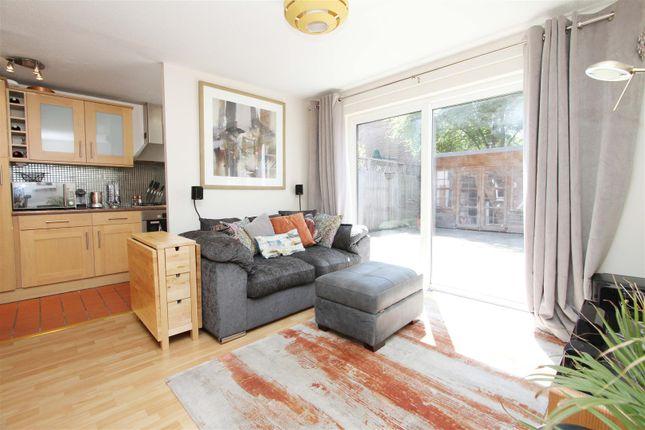 Living Room 2 of Nicholas Close, Greenford UB6