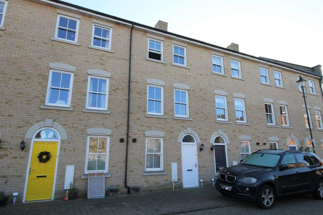 Thumbnail Town house to rent in Garland Road, Colchester, Essex