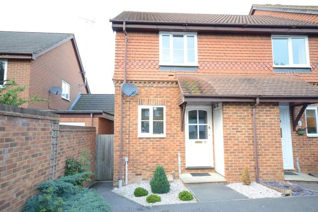 Thumbnail End terrace house to rent in Lincolnshire Gardens, Warfield, Bracknell
