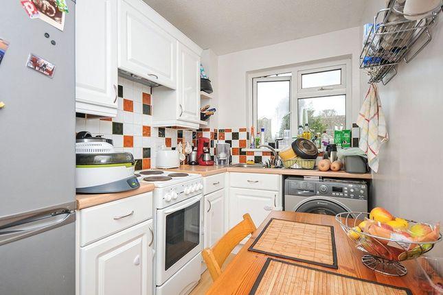 Thumbnail Flat to rent in Bishop Butt Close, Orpington