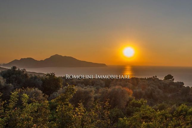 Thumbnail Villa for sale in Sorrento, Campania, Italy