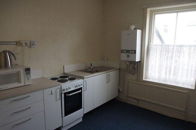 1 bed flat to rent in High Street, Barry CF62