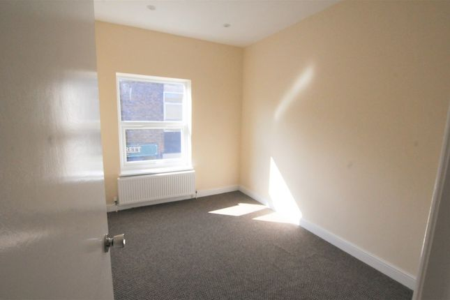 Thumbnail Flat for sale in Angel Pavement, Royston