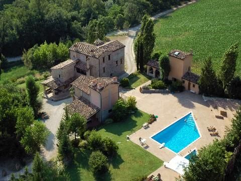 Hotel/guest house for sale in Valtiberina Estate, Umbria, Italy