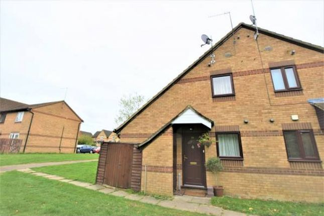 2 bed property to rent in Beaune Close, Northampton NN5