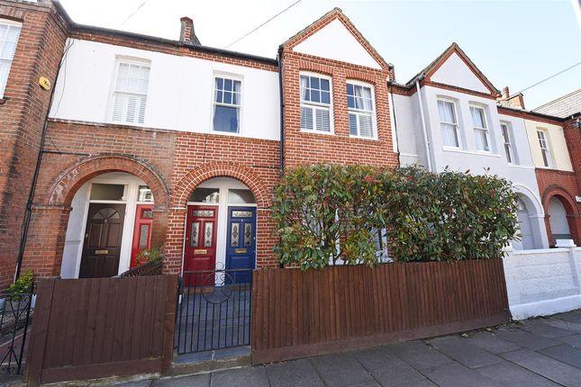 Thumbnail Maisonette for sale in Quinton Street, London