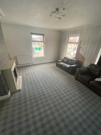 Thumbnail Flat to rent in High Street, Stoke-On-Trent