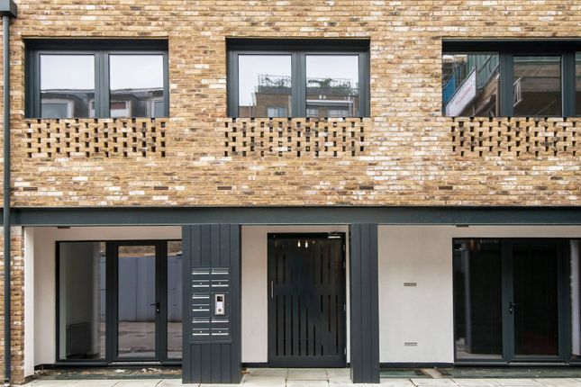 Thumbnail Flat for sale in King's Mews, Bloomsbury, London