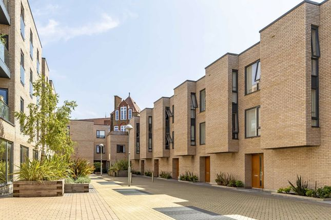 Thumbnail Property to rent in Vinery Way, London