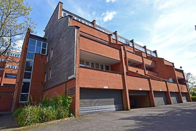 Thumbnail Flat to rent in Copplestone Drive, Exeter, Devon
