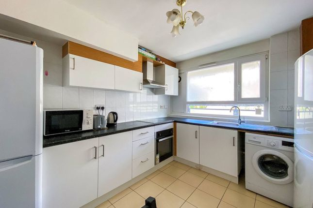 Thumbnail Flat to rent in St. Martin's Road, Stockwell, London