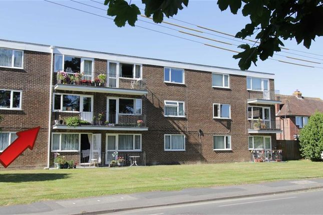 2 bed flat for sale in Kenilworth Close, New Milton