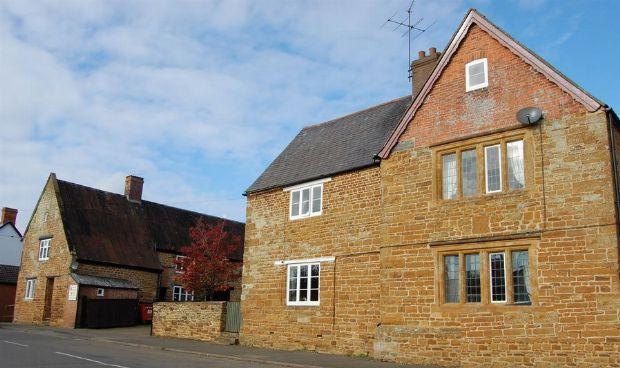 Thumbnail Property for sale in High Street, Ravensthorpe, Northampton