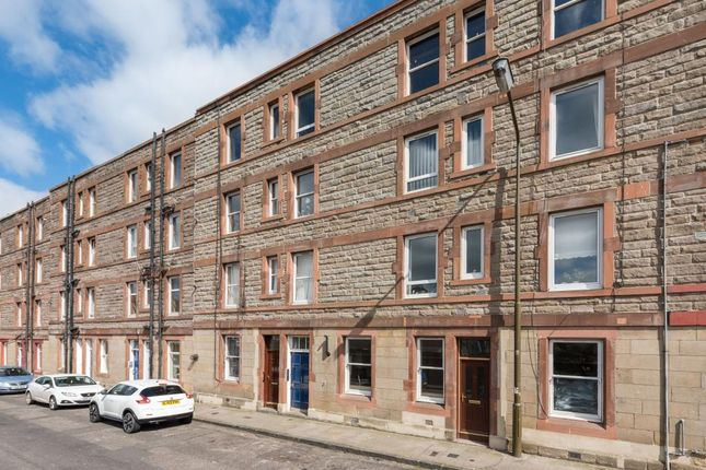 Thumbnail Flat for sale in 28E Lochend Road North, Musselburgh