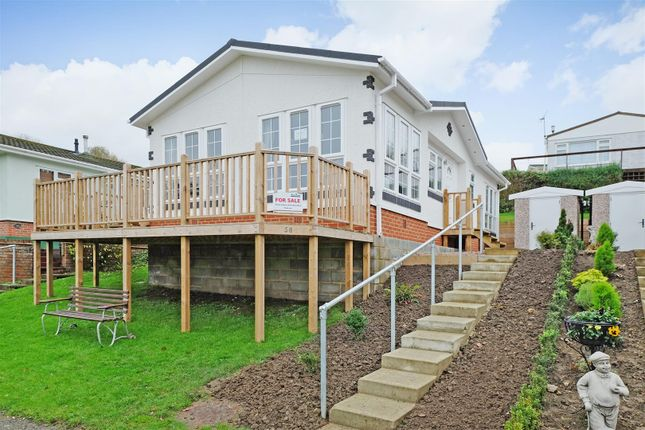 Thumbnail Mobile/park home for sale in Hartridge Farm, Lower Road, East Farleigh, Maidstone