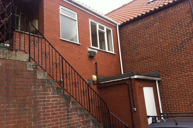 Thumbnail Flat to rent in Hallgate, Cottingham