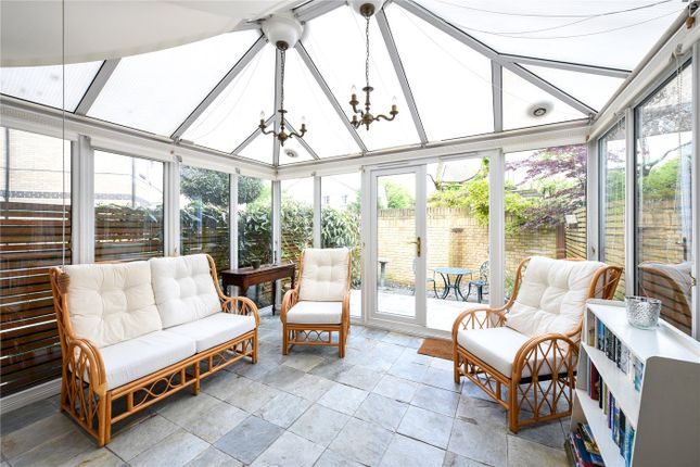 Thumbnail Town house for sale in Cookham Crescent, London