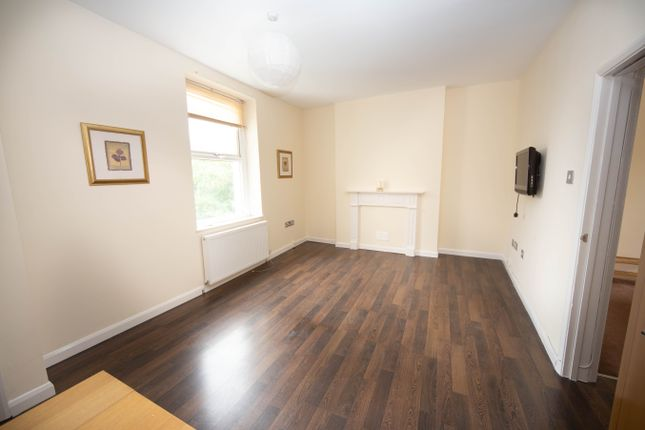 1 bed flat to rent in James Street, Cardiff Bay, Cardiff CF10
