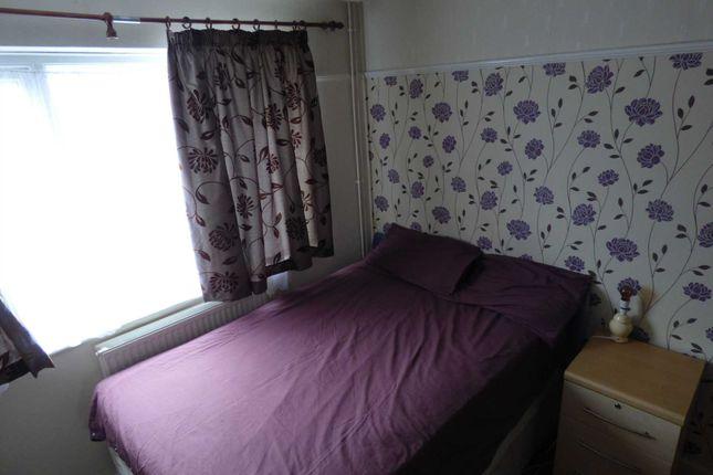 Thumbnail Room to rent in Hart Lane, Luton
