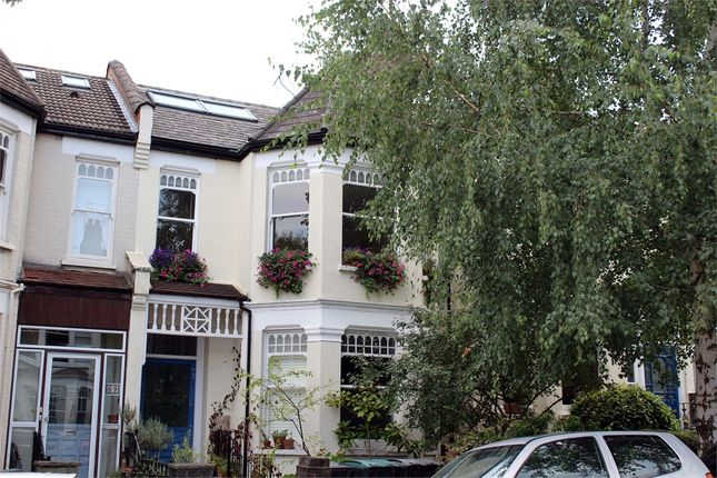 Thumbnail Flat for sale in Rosebery Road, Muswell Hill, London