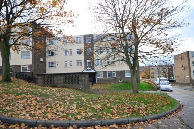 Thumbnail Flat to rent in Humber Crescent, Strood, Rochester