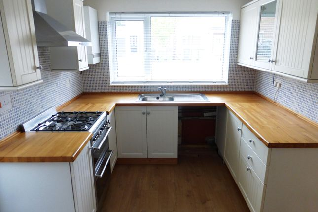 3 bed property to rent in Apple Tree Close, Yaxley, Peterborough