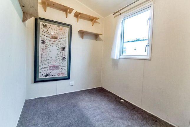 Lev0912Jmp Bedroom 2