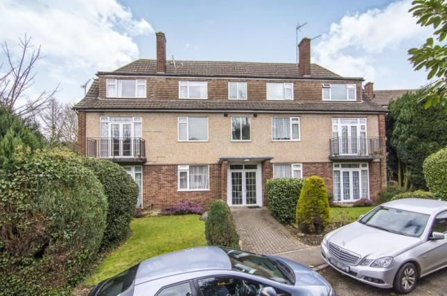 Thumbnail Flat for sale in Hemnall Street, Epping, Essex