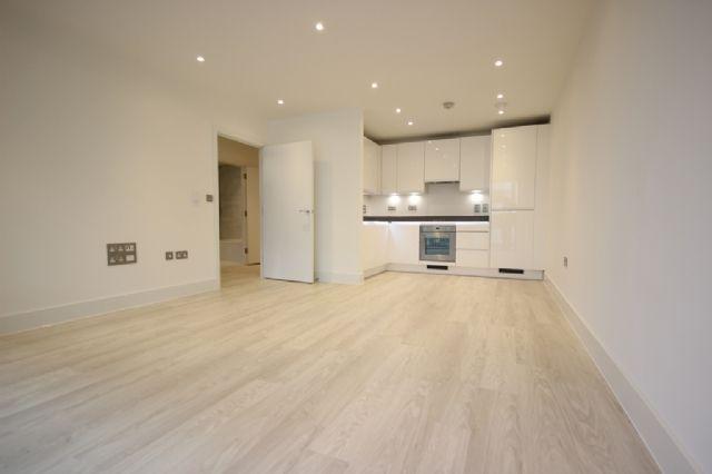 Thumbnail Flat to rent in Abbotsford Court, Lakeside Drive, Park Royal, London