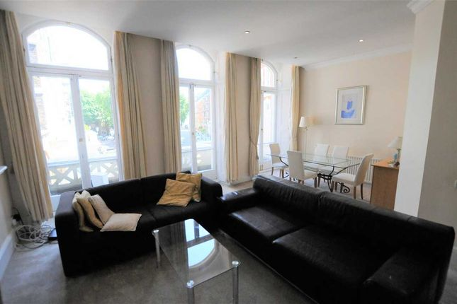 2 bed flat to rent in Emperors Gate, London