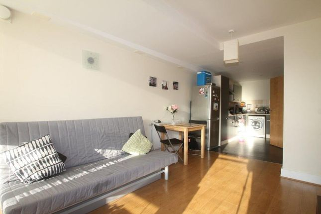 Thumbnail Flat to rent in Lynton Road, London