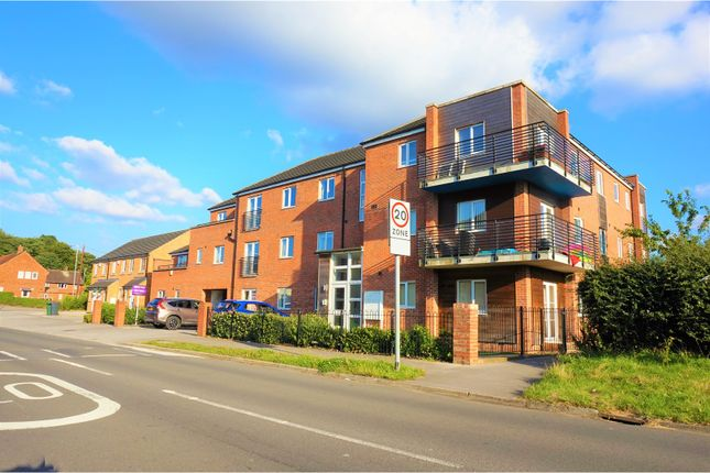 Thumbnail Flat for sale in Swarcliffe Approach, Leeds
