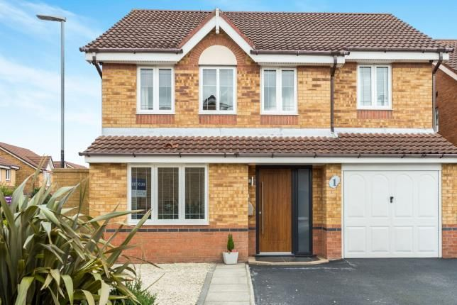 4 bed detached house for sale in Kensington Close, Widnes, Cheshire