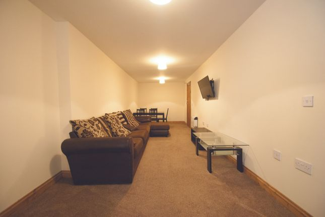 Thumbnail Flat to rent in Woodville Road, Cardiff