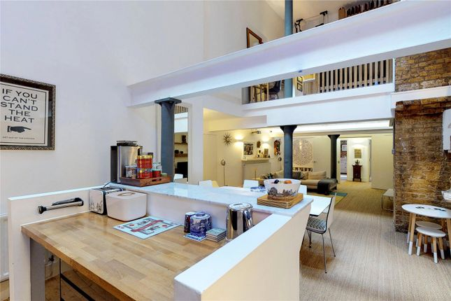 Thumbnail Flat to rent in North Tenter Street, London