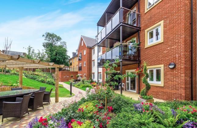 1 bed flat for sale in Norton Court, Leston Road, Leighton Buzzard, Bedfordshire