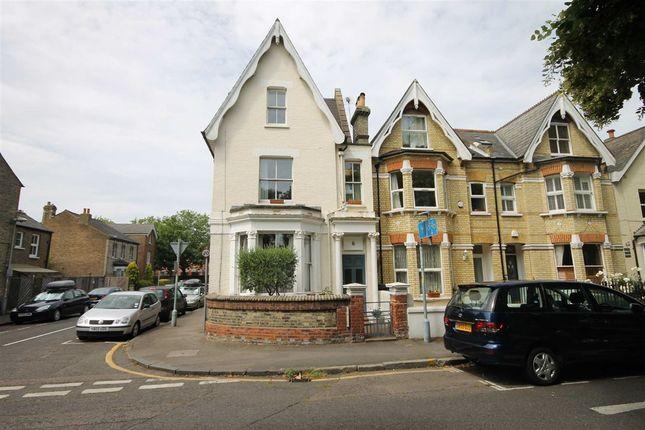 Thumbnail Flat to rent in Fairfield West, Kingston Upon Thames