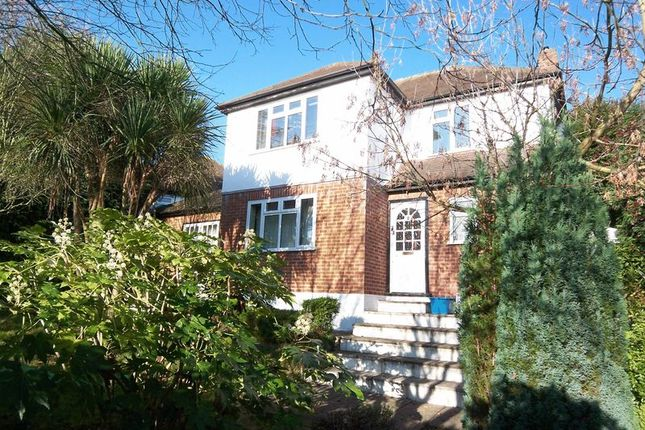 6 bed detached house to rent in Mount Lee, Egham
