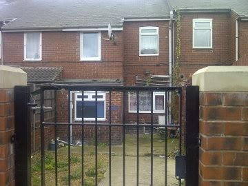 Thumbnail Flat to rent in Wesley Street, South Elmsall