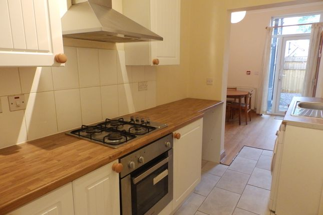 Thumbnail Shared accommodation to rent in Gwydr Crescent, Uplands, Swansea