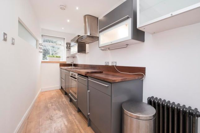 Thumbnail Flat to rent in Murray Road, London