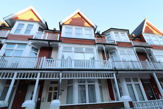 1 bed flat to rent in Elms Avenue, Eastbourne