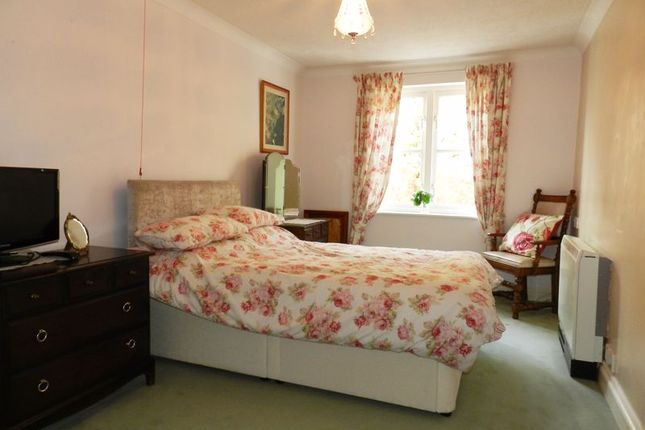 Bedroom of Deanery Close, Chichester PO19