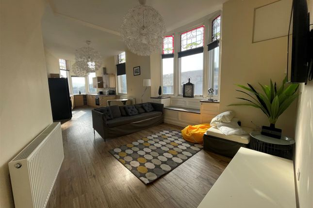 Thumbnail Flat to rent in Colne Road, Burnley